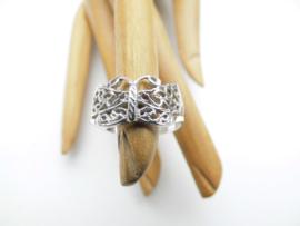 Zilveren vlinder ring.