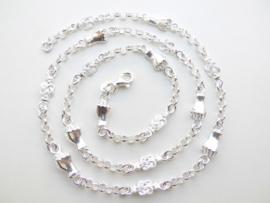 Zilveren mattenklopper-lontai-vuist ketting.