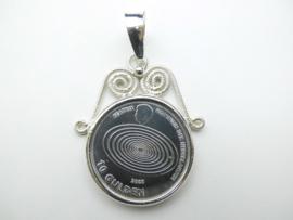 Zilveren Beatrix 10 Gulden munt hanger met kroon.