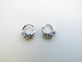 Zilveren baby oorbellen (geoxideerd)