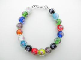 Moksi kralen bracelet met zilveren sluiting.