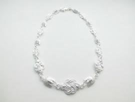 Zilveren mattenklopper/indiaan collier.