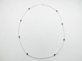 Zilveren zwarte kleuren kralen singapore ketting. (60 cm)
