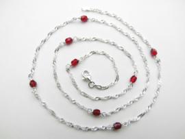 Zilveren rode kleuren kralen singapore ketting. (60 cm)