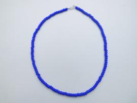 Blauwe ingi boca snoer met zilveren sluiting. ( bush ingi)
