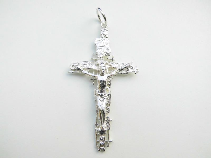 Zilveren grote kruis hanger.