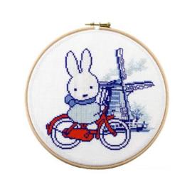 Telpakket Nijntje op de fiets