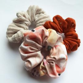 Scrunchie - Rosie flower