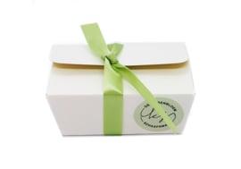 Gesorteerde bonbons in giftbox