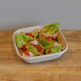 Lunchsalade kipfilet met pasta en gegrilde groente