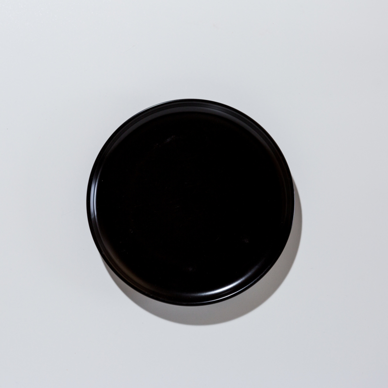 Zwart bord van porselein met een matte afwerking Afmeting 19 Ø cm