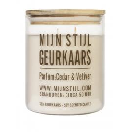 Geurkaars Xl glas houten deksel geur White Cedar en Vetivier sojabasis