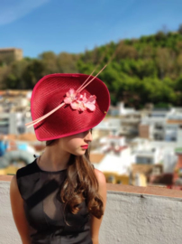 Hat Granate with flower decoration