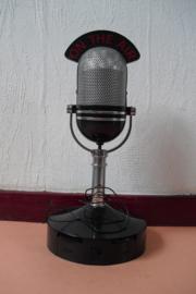 FM/AM radio in de vorm van een microfoon