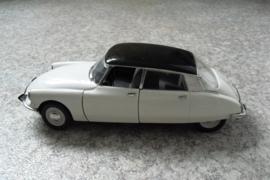 Modelauto Citroën DS 19, 1963, schaal 1:18