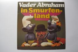 Vader Abraham in Smurfenland
