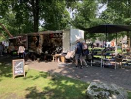 Ons eerste grote markt Zuidlaardermarkt 2016 klein begonnen en inmiddels een verkoopwagen met mooie vachten.