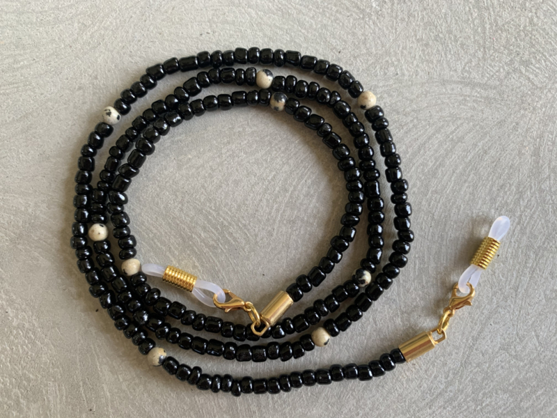 All black | Jaspis