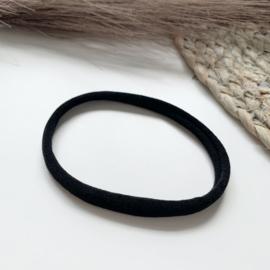 Zwart haarbandje smal