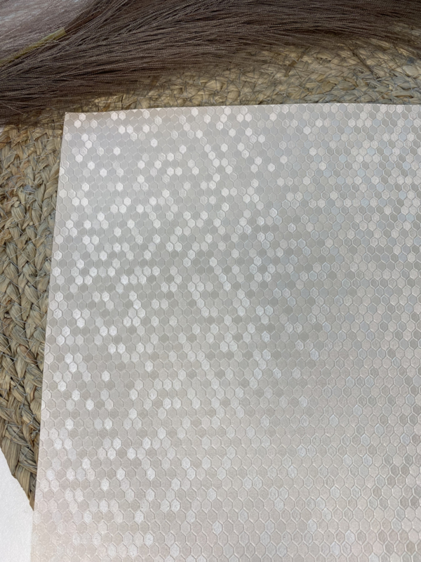 Honingraat pearly cream A4