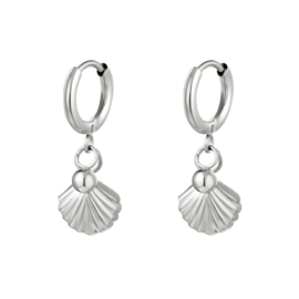 Zilveren oorbellen met schelp 'Loua'