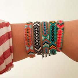Gevlochten armband/enkelbandje 'Ibiza' paars/oranje