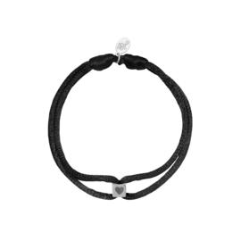 Satijnen armband met cube hart - zwart/zilver