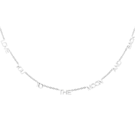 Zilveren ketting met quote 'Love You To The Moon And Back'