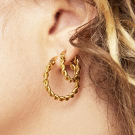 Gouden oorringen hoops 'Twine' 22 mm
