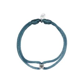 Satijnen armband met cube hart - grijs/zilver