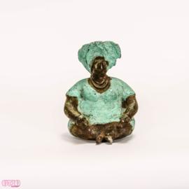 Bronzen zittende dame