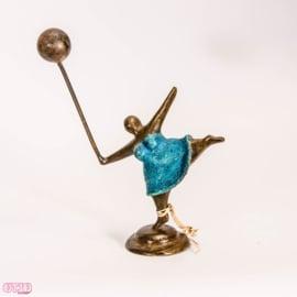 Bronzen meisje met ballon