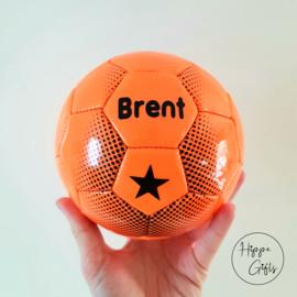 Voetbal mini (15cm) oranje met naam