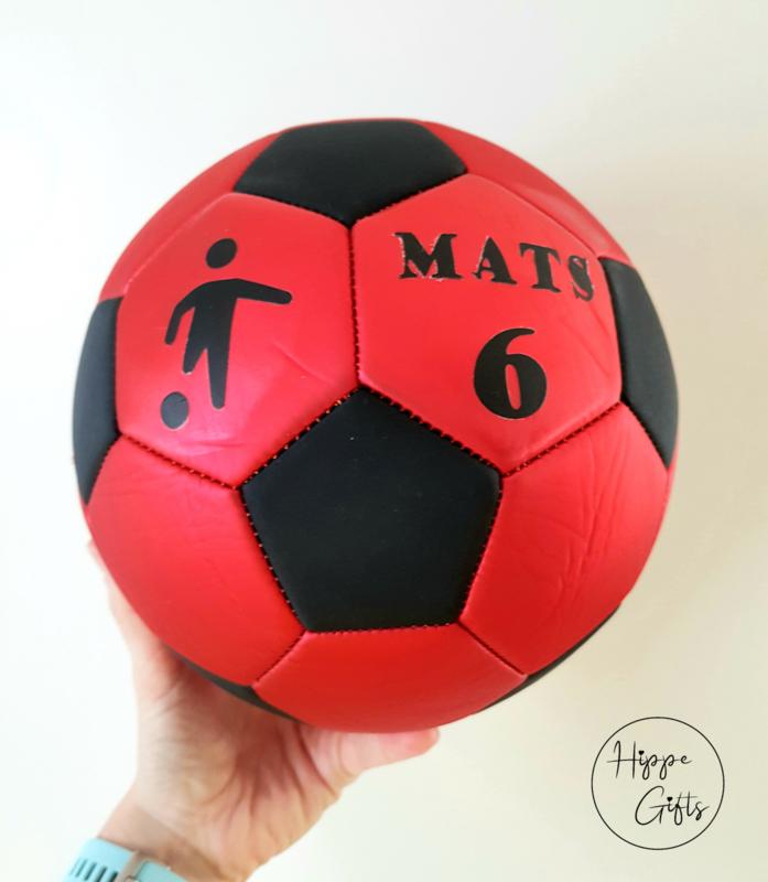 Voetbal rood met naam