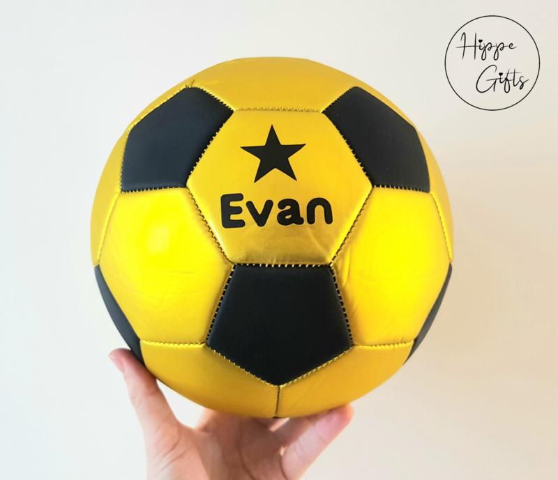Voetbal goud met naam