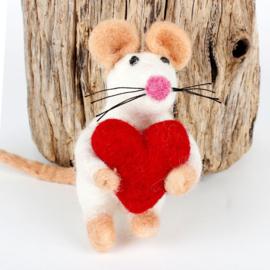 Muisje met rood hart , vilt, 7 cm
