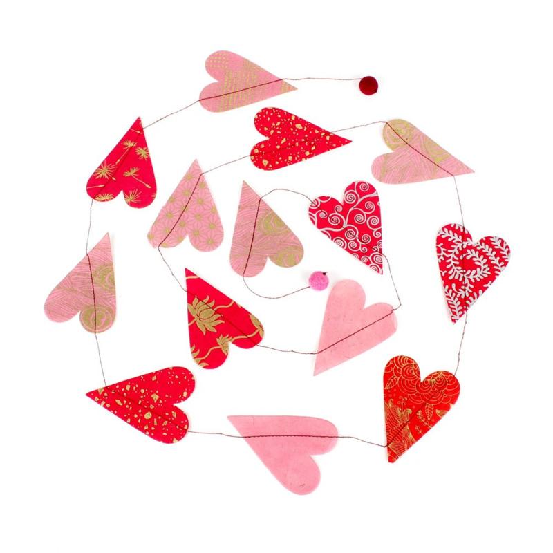 Papierslinger met hartjes