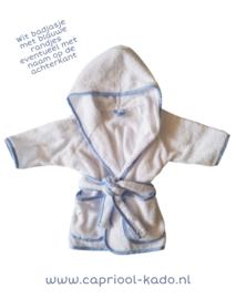 Wit badjasje met blauwe randjes