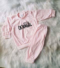 Engel (b)