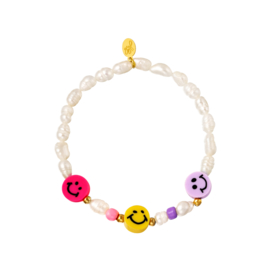Armbandje Smiley & Pearls
