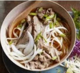 Soep met rund en varkensvlees pikant