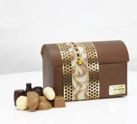 Bruine hutkoffer kado doos met  300, 500 of 700 gram luxe bonbons