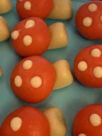 150 gram Marsepeinen paddenstoeltjes