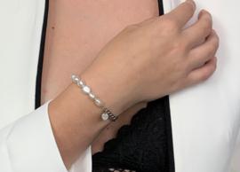 The beauty of Pearls bracelet