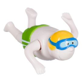 Opwind zwemmer voor in bad
