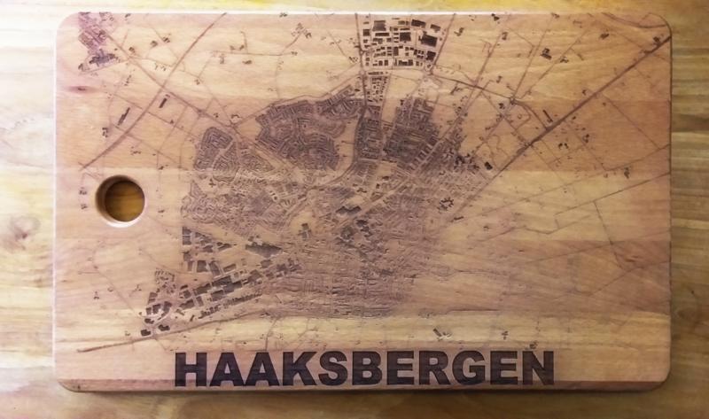 stadskaart op snijplank
