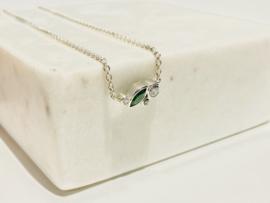 Fijne halsketting met steentjes