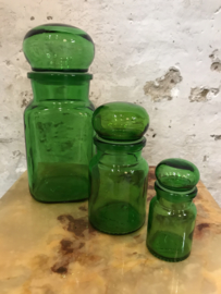 Vintage set voorraadpotten van groen glas.