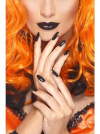 Lippenstift en nagellak zwart