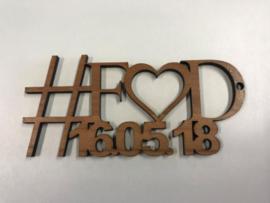 Sleutelhanger hout hashtag met 2 initialen en datum